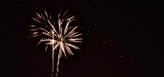 Kdy a kde se rozzáří nebe nad krajskými městy? 13 tipů, kam zajít na novoroční ohňostroj