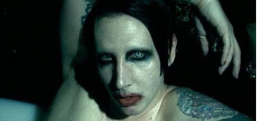 10 nejkontroverznějších hudebních videoklipů historie! Oči otevřené, zavřené? Posuďte sami