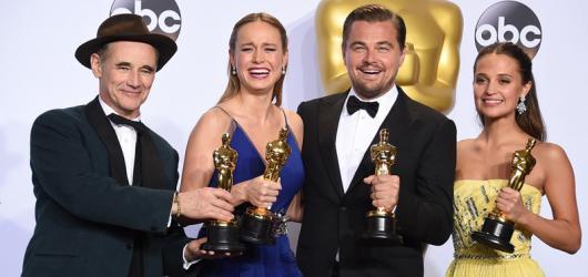 DiCaprio konečně dosáhl na Oscara, nejvíce nominací proměnil Mad Max