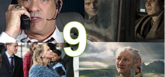 Filmové září: Slavný český atentát, těhotná Bridget a Spielbergův obr
