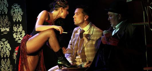 Adéla se v Divadle Broadway navečeřela již po sté. Tentokrát během obnovené premiéry