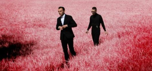 Hurts přijedou do Prahy se svým novým albem Surrender