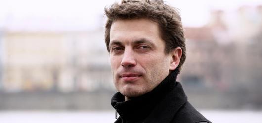 Jan Pachl točí film podle knihy Marie Poledňákové. Zahraje si v něm Lukáš Vaculík i Hynek Čermák