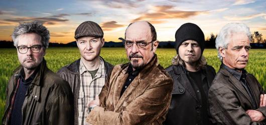 Ian Anderson dorazí spolu se skupinou Jethro Tull do České republiky