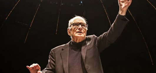 Ennio Morricone dorazí do Prahy spolu s Českým národním symfonickým orchestrem i zpěvačkou Dulce Pontes