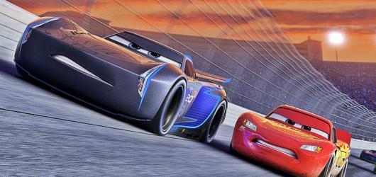 Třetí auta se nenechají nahradit animáky nové generace, filmové závody mají pořád v krvi