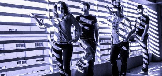 Česká kapela 3day vydává své debutové album Fu(c)k T den
