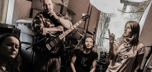 Znovuzrozená kapela Gaia Mesiah opět vtrhne na koncertní prkna. Láká na TeleporTour