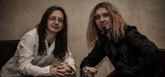 Alkehol odstartoval společné turné s kapelou Doga. Pokračovat se bude v Liberci, Budějovicích, Otravě i Olomouci