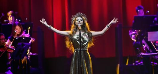 Gregoriani spojí síly s hvězdnou Sarah Brightman. Návštěvníky lákají na své nejlepší vánoční písně