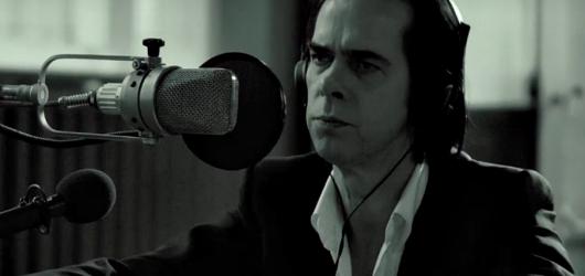 Nick Cave & The Bad Seeds vydají před pražským koncertem exkluzivní výběrovku
