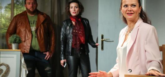 Parfém v podezření: Oddychová komedie o zločinu a sesterských vztazích