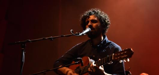 José González se vezl na vlně úchvatného orchestru The String Theory