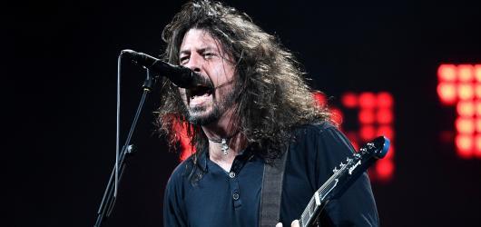 První třídou do Prahy s koncertem ro(c)ku. Foo Fighters už dávno nejsou jen pohrobci slavné Nirvany