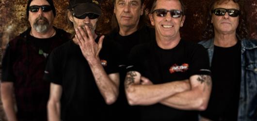 Ex-bubeník AC/DC Phil Rudd chystá tour po českých klubech. Naváže na úspěšné květnové koncerty