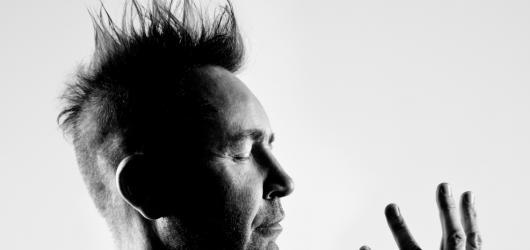Houslový virtuos Nigel Kennedy míří do České republiky. Doveze hudbu od klasiků i rockových legend
