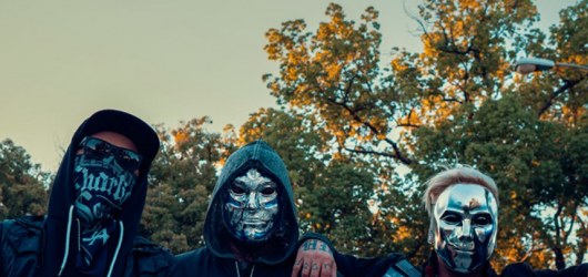 Hollywood Undead se po dvou letech vrátí do Prahy. Dovezou novou desku