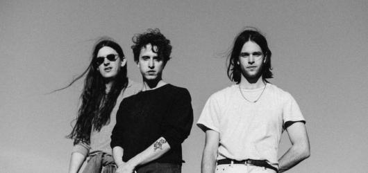 Balady zasněného indie rocku a tzv. lo-fi hudby skupiny Beach Fossils vplují do MeetFactory