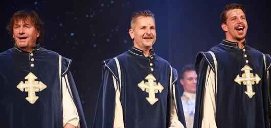 Na pouhých 10 představení se do Divadla Broadway vrátili Tři mušketýři. Vede je D'Artagnan s ortézou