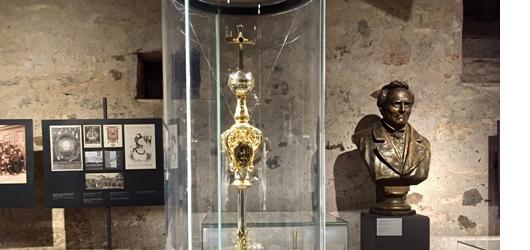 Za historií Univerzity Karlovy do gotických sklepů Karolina