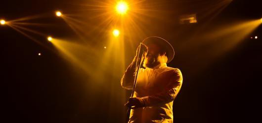 Alex Clare představil v Roxy nové písně i své nejslavnější skladby