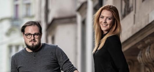 Debbi a David Stypka ovládli podium na předvánočním koncertě každý po svém