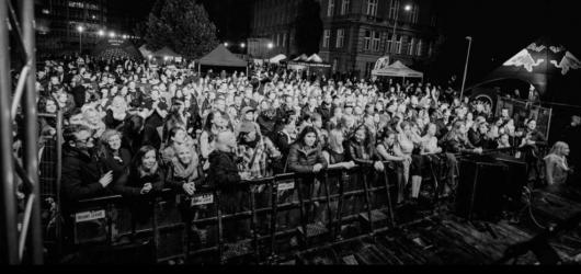 Pražské Dejvice v úterý hostí Kampus Fest. Lákají na pivo či Vladimira 518