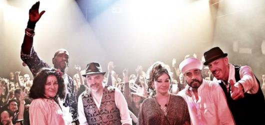 Transglobal Underground hlásí comeback a vyráží na turné. Spolu s Natachou Atlas dorazí i do Prahy