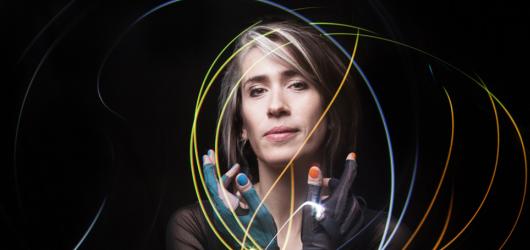 Zpěvačka a inovátorka Imogen Heap představí v Praze svou blockchainovou technologii