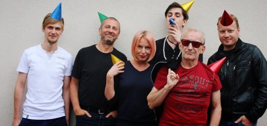 Čechomor pokračuje v nabitém narozeninovém turné. Na podzim odehraje 27 koncertů