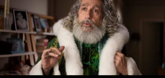 Alain Chabat vzal břemeno celého filmu na sebe a Vánoce a spol. slaví sám