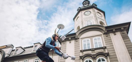 Dorazí do Plzně nová začínající světová hvězda? Pilsen Busking Fest doveze umělce z celého světa