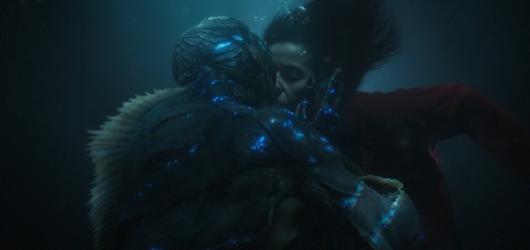 Guillermo del Toro ve Tváři vody opět zavedl diváka do svého jedinečného fantasy světa, který musíte milovat