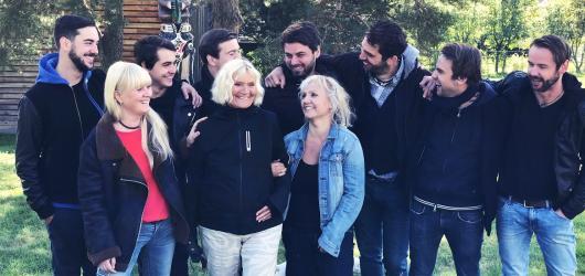 Kapela Jelen zve na podzimní turné předělávkou hitu Michala Tučného