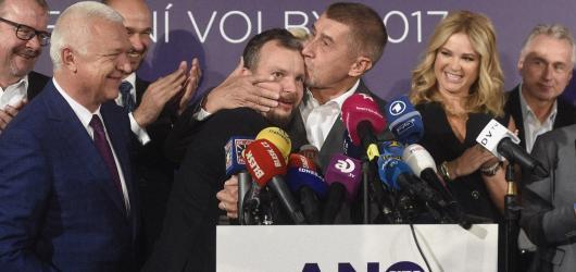 Babiš po volbách i protivládní protesty na Slovensku. Czech Press Photo zná letošní nominace