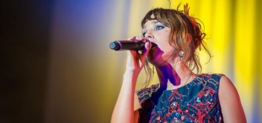 Francouzská zpěvačka ZAZ se vrátí do Prahy s novým albem