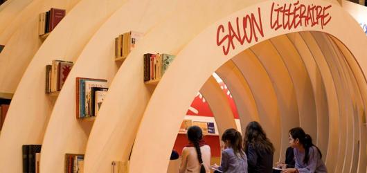 Na pařížském salonu Livre Paris 2018 byly rozdány literární ceny, o laureátech rozhodovali kritici i čtenáři