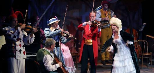 Ypsilonská adaptace Gounodovy opery Faust a Markétka slaví 100. reprízu