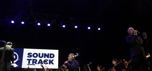 Soundtrack, den druhý: rumbakoule pro Leontýnku a dechberoucí skladby Ondřeje Soukupa