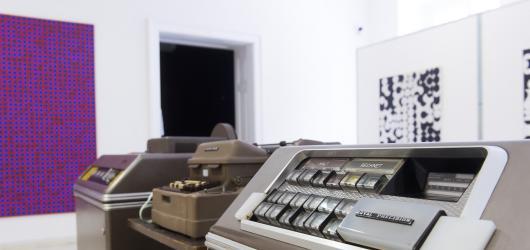 Počítač z 60. let i obrazy Zdeňka Sýkory. Moravská galerie láká na computer art