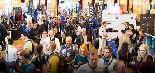 Veletrh FotoExpo opět obsadí Národní dům na Vinohradech. Nově nabídne i cestovatelskou sekci