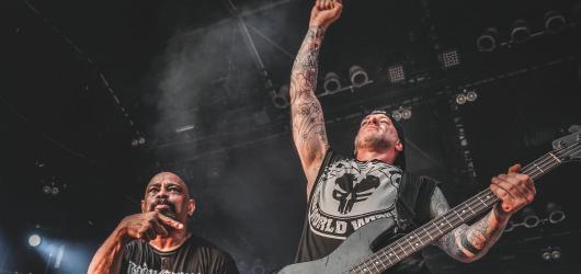 Rapmetaloví Powerflo odehráli svůj první koncert v Praze
