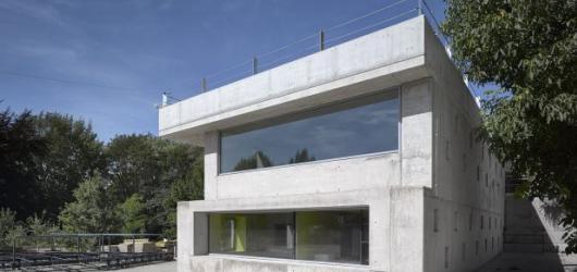 """Hříčky Davida Vávry, Sváteční pop a vítězná """"betonárka"""". Česká cena za architekturu se nesla v chytře neformálním duchu"""