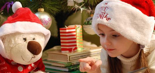 10 dětských knížek pod vánoční stromeček