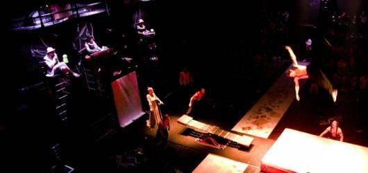 Cirk La Putyka oslaví desáté výročí své existence představením Up End Down
