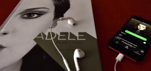 Adele – Příběh písní. Kniha, při jejíž četbě nevyndáte sluchátka z uší