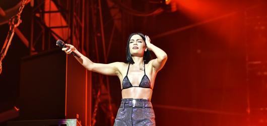 Dvě ženy s božským hlasem. Joss Stone a Jessie J kralovaly předposlednímu dni festivalu Colours of Ostrava