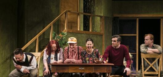 Chytrá i vtipná - taková je nová komedie Cizinec v Divadle Na Fidlovačce