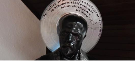 Odstartoval Design Shaker. Umělec Jurečka zde předvede sochu T. G. Masaryka z gramofonových desek