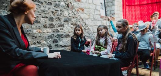 Zpátky do lavic? Festival VyšeHrátky dětem zpříjemní první školní dny